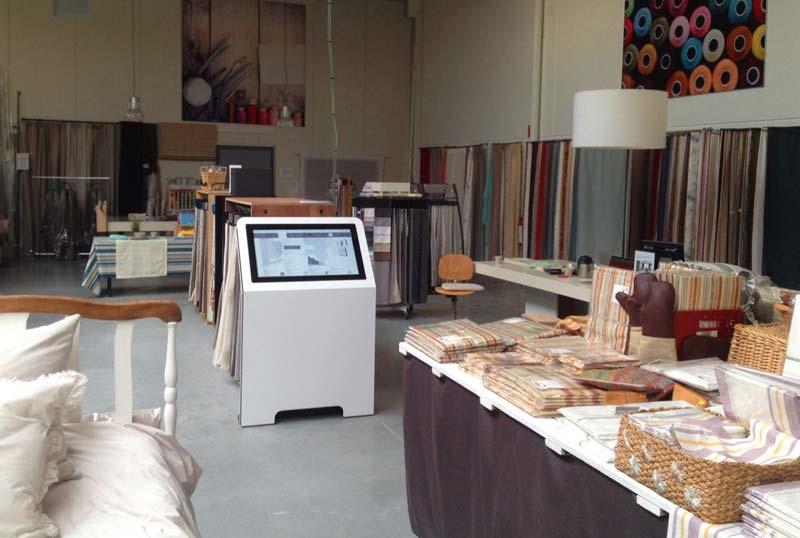 location-borne-interactive-32-pouces-textile-retail